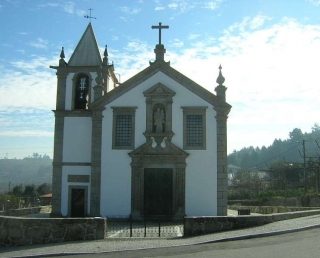 Igreja de Moure