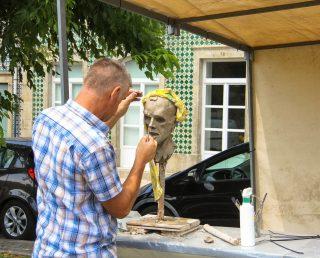 Nigel Eduard Cave (Esculturas em pó de pedra)