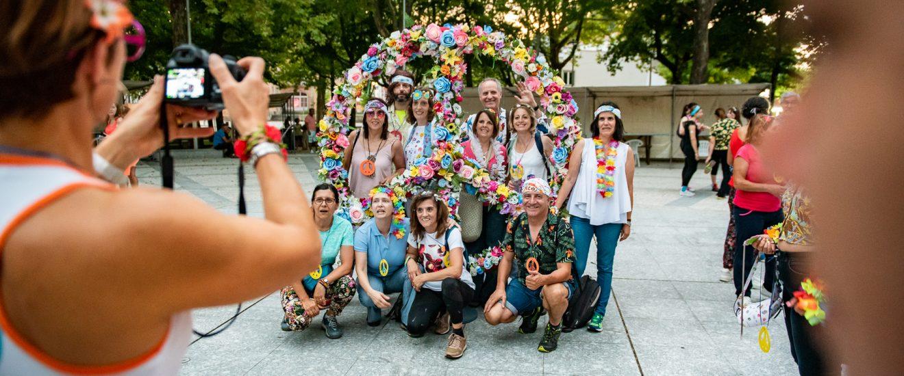 Mais de 320 pessoas na Caminhada Noturna Flower Power
