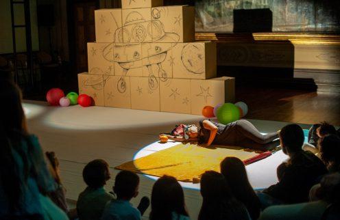 Teatro para Bebés contribui para reforço de laços afetivos
